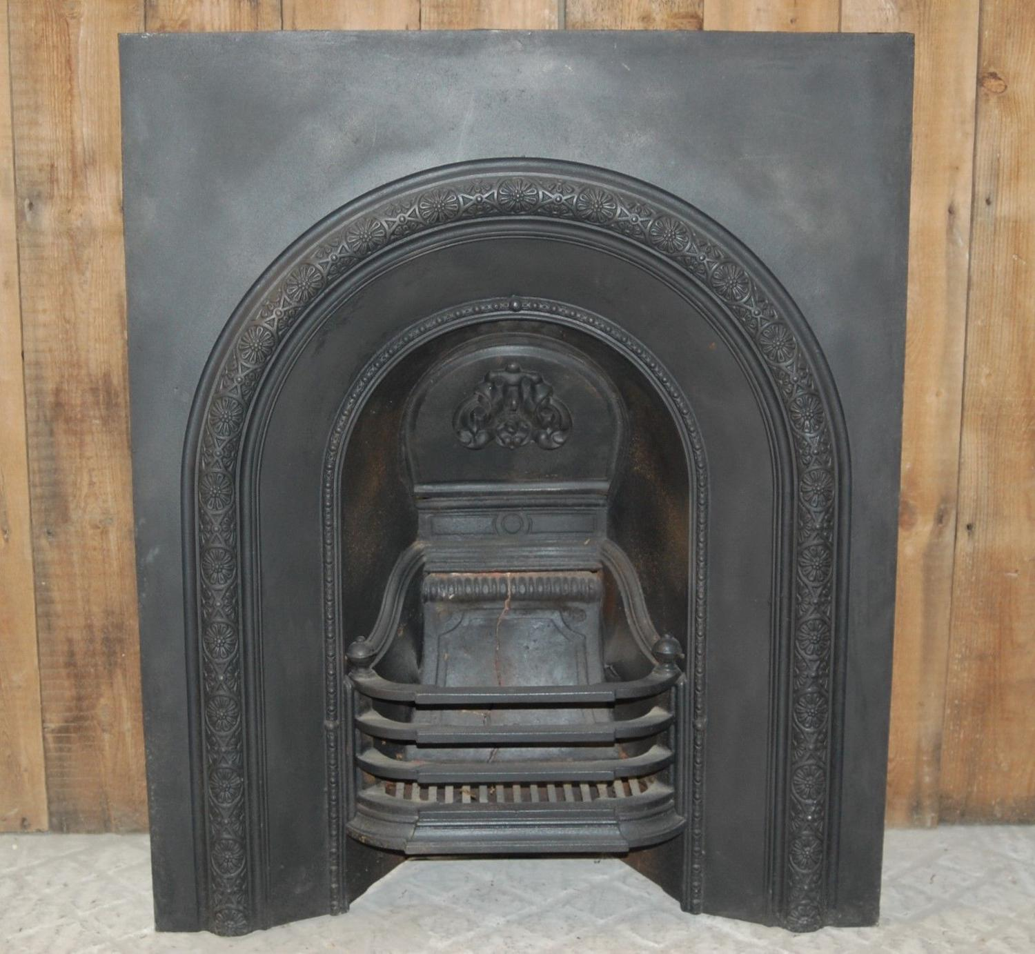FI0018 VICTORIAN ANTIQUE CAST IRON FIRE INSERT FOR DECORATIVE USE