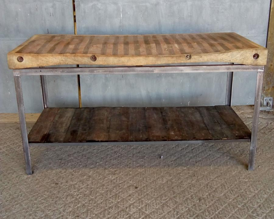 M1191 A STUNNING RECLAIMED BUTCHERS BLOCK ON INDUSTRIAL BASE