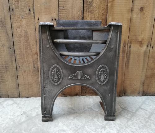 FB0023 AN ORIGINAL GEORGIAN ANTIQUE CAST IRON HOB GRATE