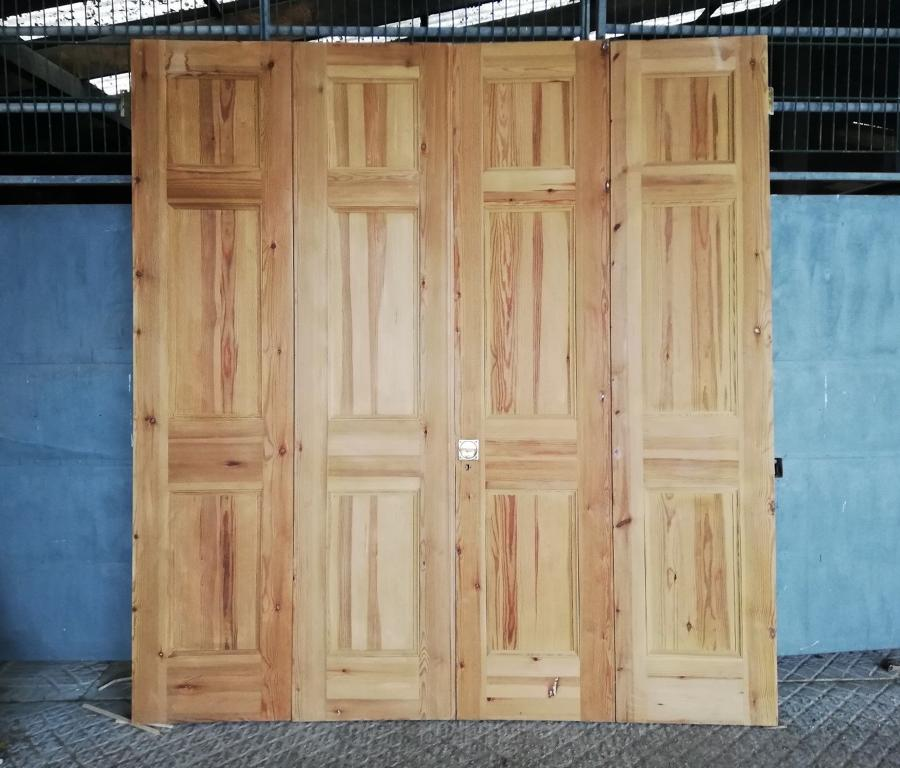 DP0253 SET OF RECLAIMED VICTORIAN STYLE BIFOLD DOORS ROOM DIVIDERS
