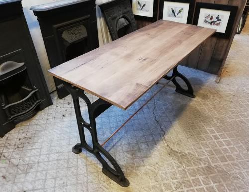 M1211 INDUSTRIAL OFFICE DESK WITH RECLAIMED OAK TOP / CAST IRON BASE