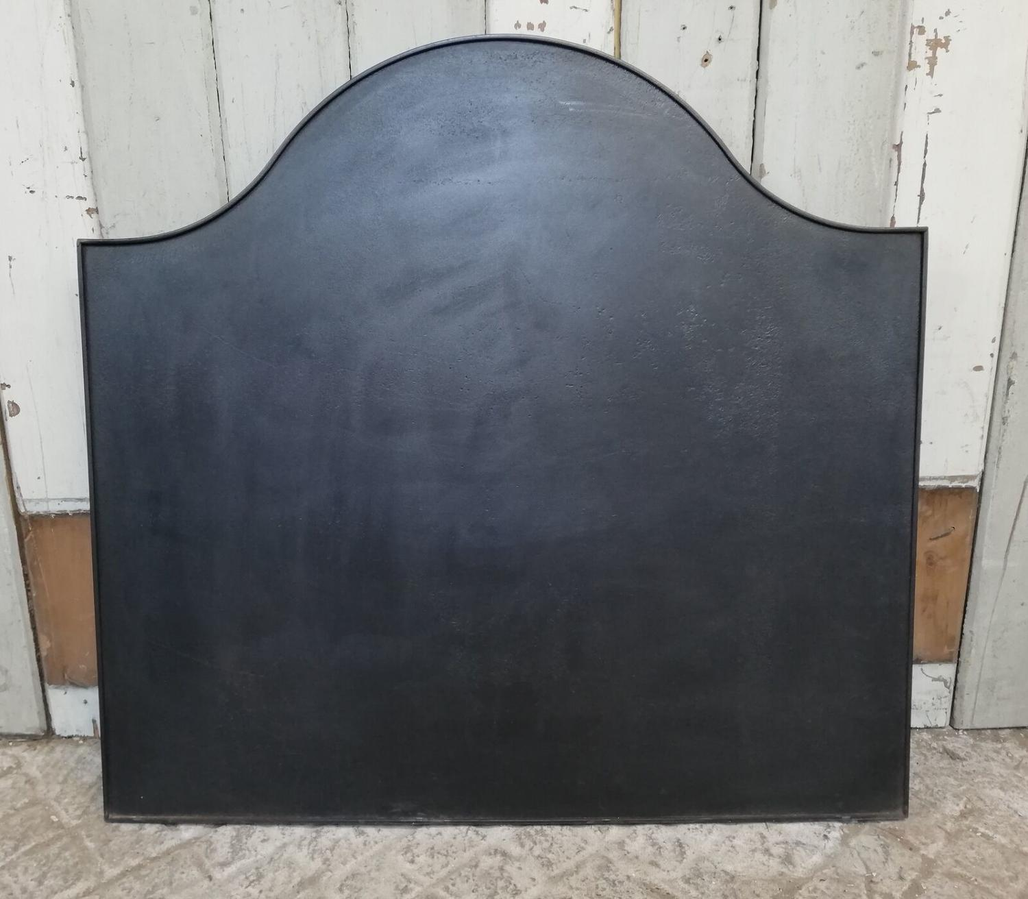 FB0029 LARGE RECLAIMED CLASSIC CAST IRON FIRE BACK FOR USE WITH BASKET