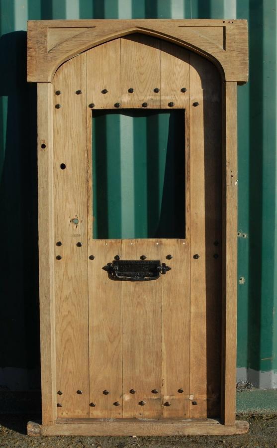 DE0790 RECLAIMED ANTIQUE GOTHIC STYLE OAK FRONT DOOR AND FRAME