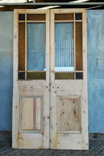 DP0260 A PAIR OF VICTORIAN CARDIFF DOORS WITH STAINED GLASS