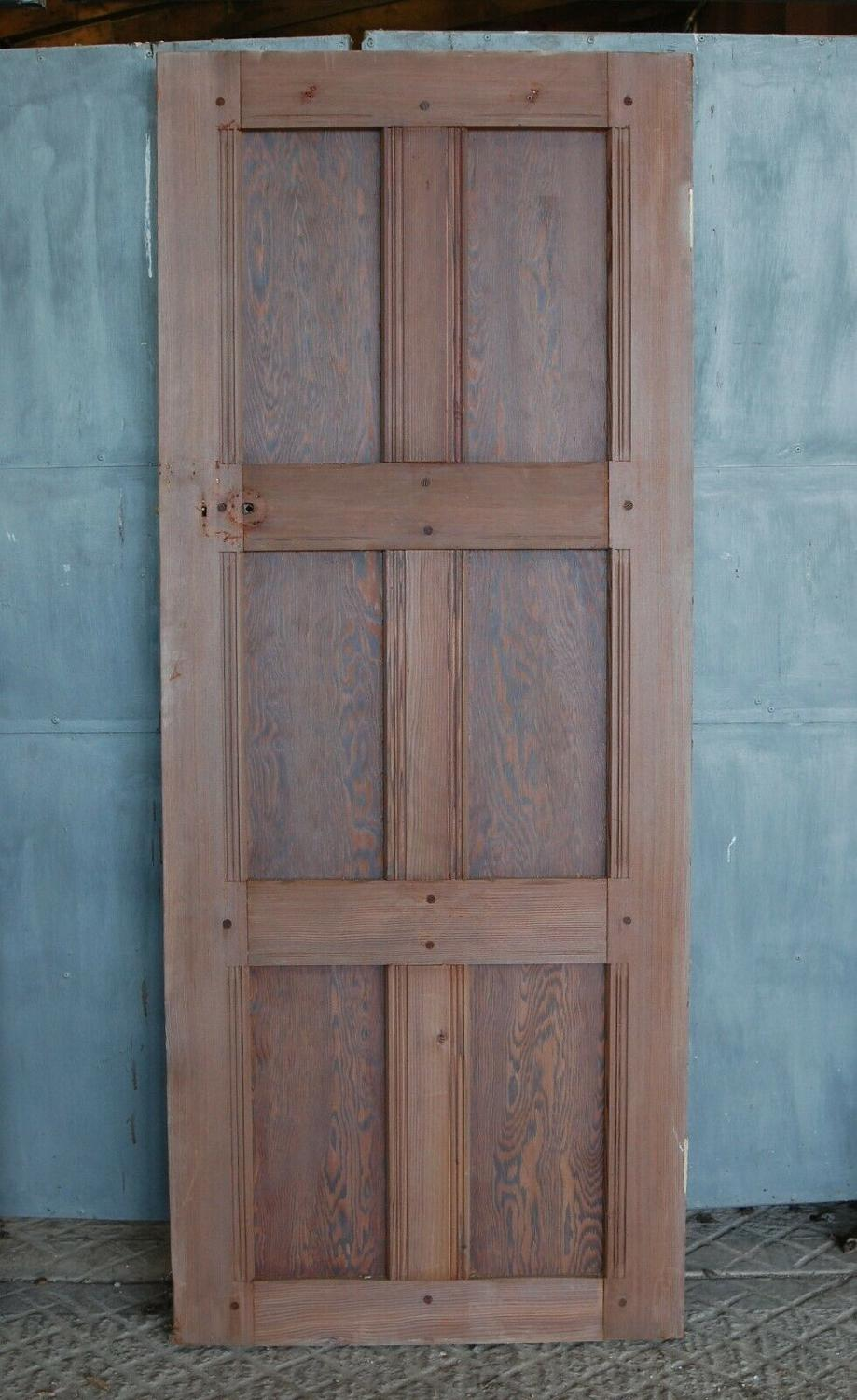 DI0671 A RECLAIMED PITCH PINE ARTS AND CRAFTS INTERNAL DOOR