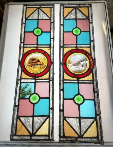 M1258 A PAIR OF ANTIQUE STAINED GLASS PANELS WITH HAND PAINTING
