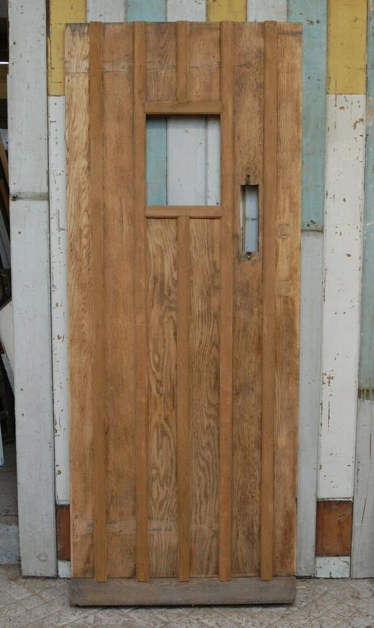 DE0795 RECLAIMED COTTAGE STYLE OAK FRONT DOOR WITH GLAZING PANEL