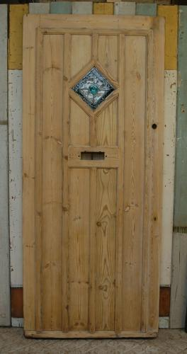 DE0800 COTTAGE STYLE STRIPPED PINE FRONT DOOR WITH STAINED GLASS PANEL