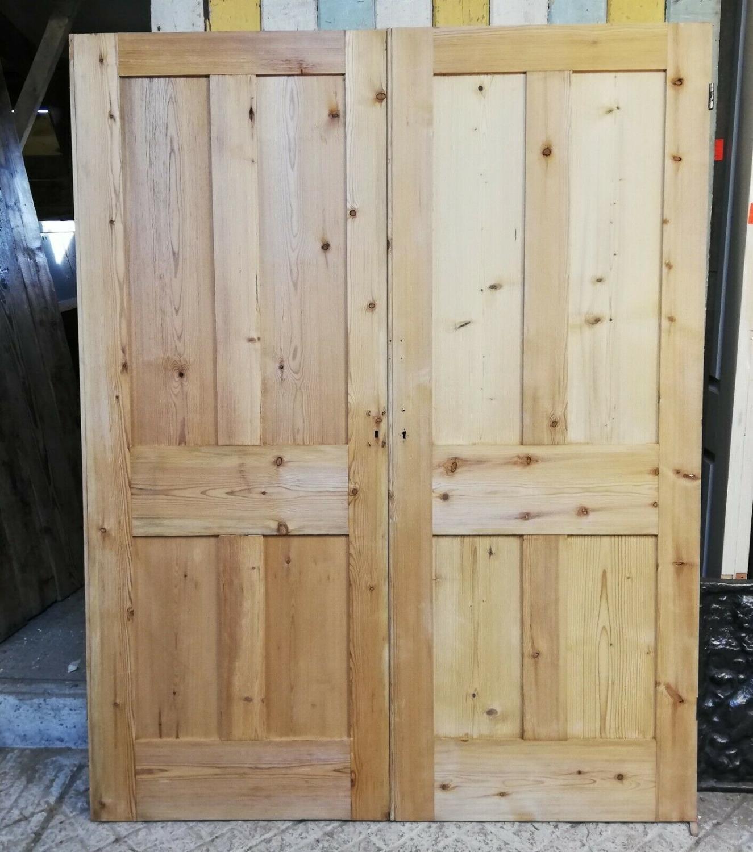 DP0262 PAIR OF RECLAIMED STRIPPED PINE INTERNAL DOORS FOR WARDROBE