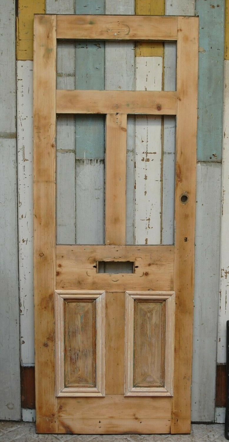 DE0803 A VICTORIAN STRIPPED PINE SLIM FRONT DOOR