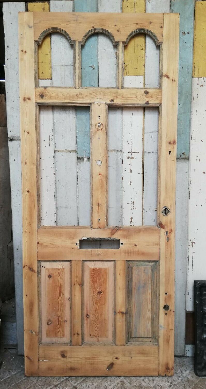 DE0805 A BEAUTIFUL VICTORIAN PINE FRONT DOOR WITH PANELS FOR GLAZING