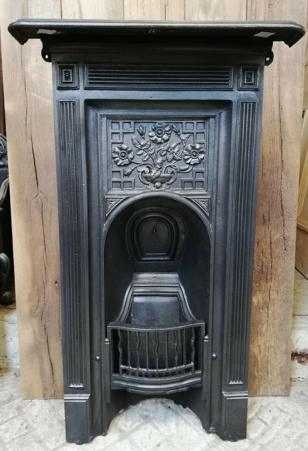 FC0048 A PRETTY ANTIQUE VICTORIAN CAST IRON BEDROOM COMBINATION FIRE