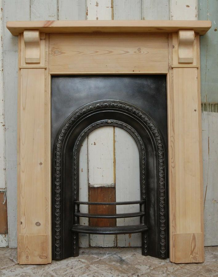 FS0067 A VICTORIAN CAST IRON FIRE FRONT AND RECLAIMED PINE SURROUND