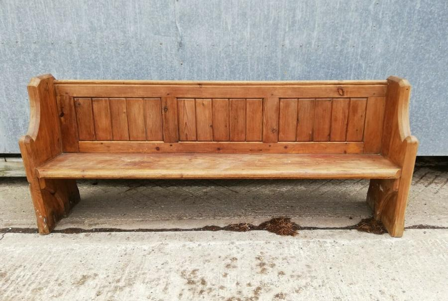M1278 A RECLAIMED ANTIQUE PINE CHURCH PEW / BENCH