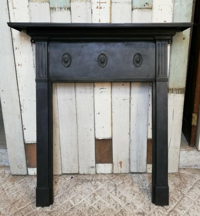 FS0071 DECORATIVE ANTIQUE EDWARDIAN CAST IRON FIRE SURROUND