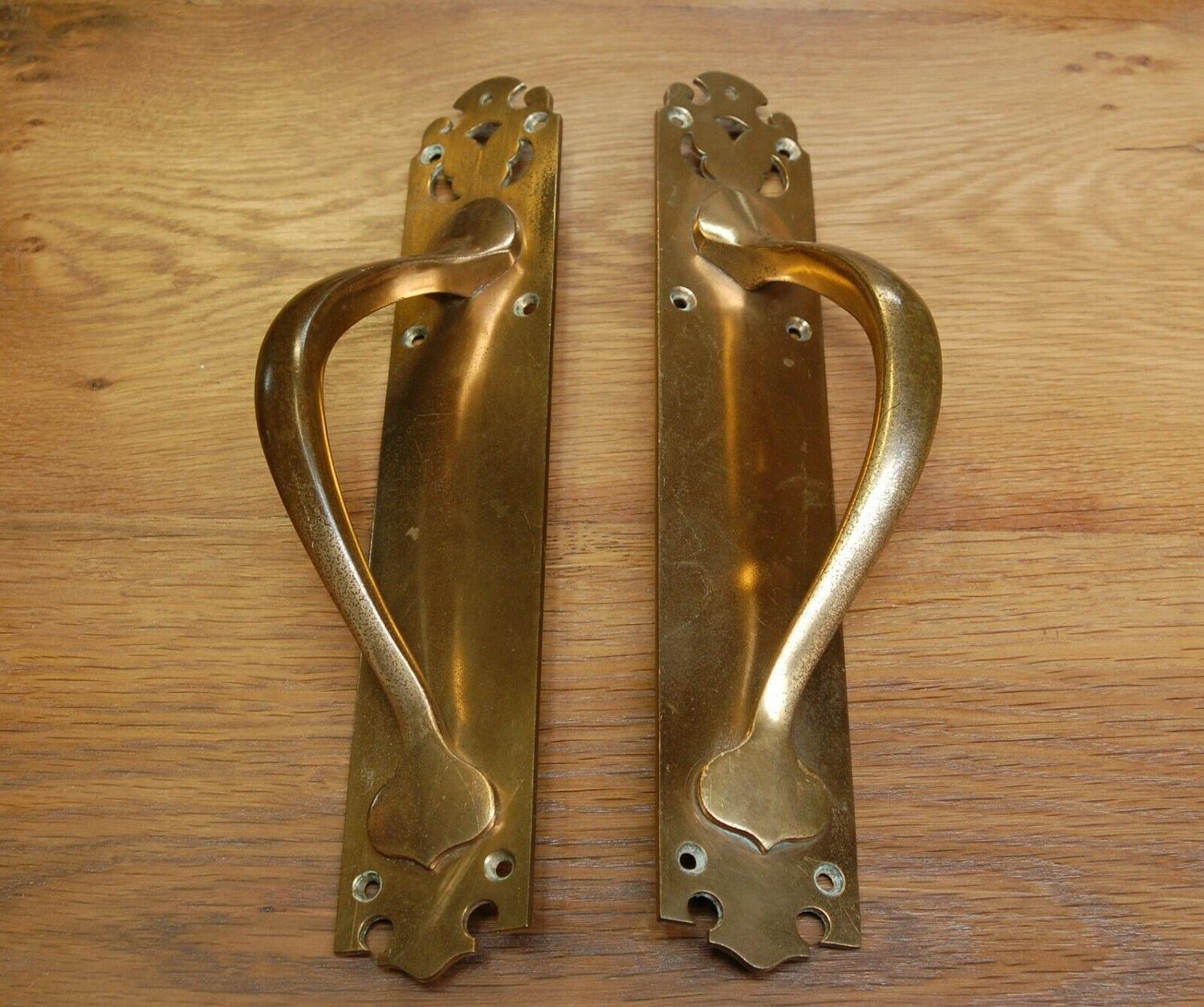 M1283 A PAIR OF BEAUTIFUL ANTIQUE ART NOUVEAU DOOR PULLS