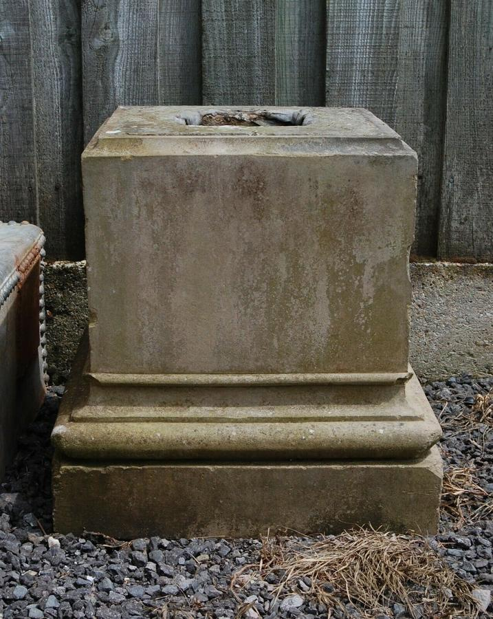 M1287 A LARGE RECLAIMED STONEWARE PLINTH FOR URN - BASE 58CM X 56CM