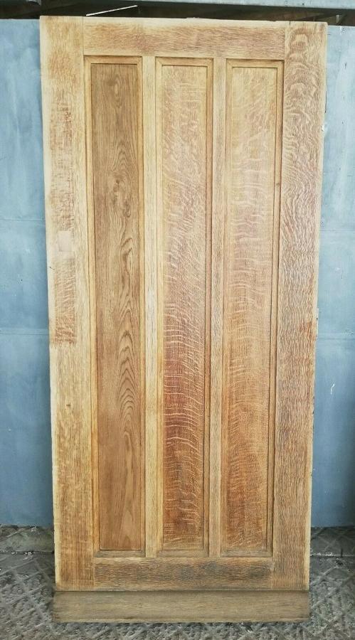 DE0812 A RECLAIMED ANTIQUE STRIPPED OAK RUSTIC FRONT DOOR