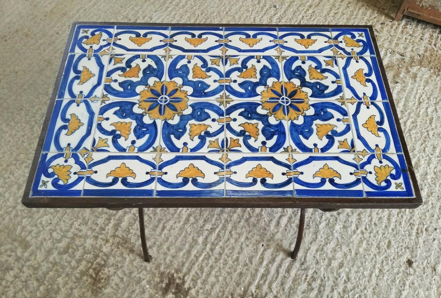M1304 ANTIQUE TILED OUTDOOR COFFEE TABLE WITH ARTS AND CRAFTS BASE