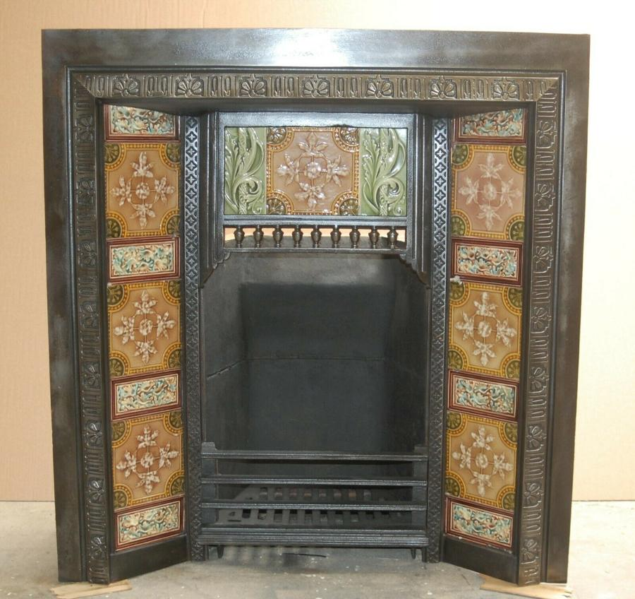 FI0035 VICTORIAN TILED CAST IRON FIRE INSERT. BRICK & STOOL AVAILABLE