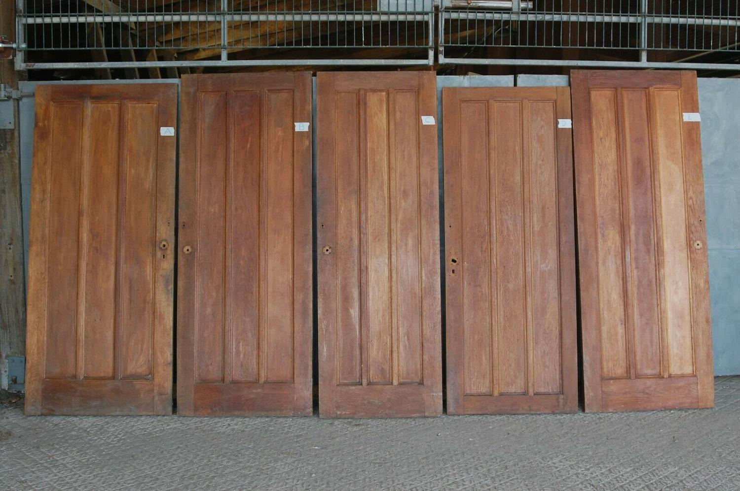 DI0685 EDWARDIAN INTERNAL OAK PANELLED DOOR - 5 AVAILABLE- SOLD SEP