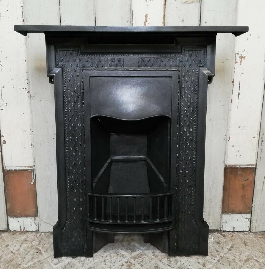 FC0059 A PRETTY VICTORIAN CAST IRON COMBINATION BEDROOM FIRE