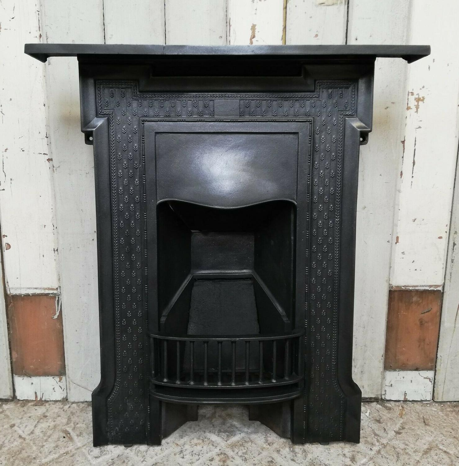 FC0059 A PRETTY VICTORIAN CAST IRON COMBINATION BEDROOM FIRE