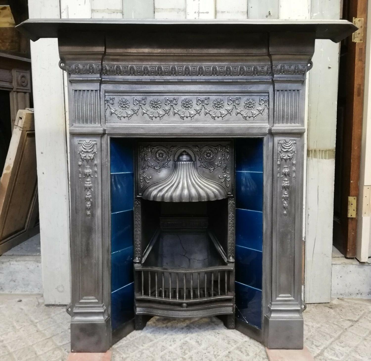 FC0060 AN ATTRACTIVE LARGE VICTORIAN TILED COMBINATION FIRE