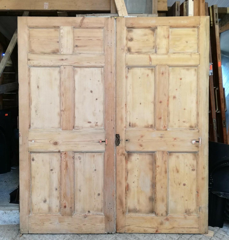 DP0271 PAIR OF SUBSTANTIAL PINE VICTORIAN SIX PANEL INTERNAL DOORS