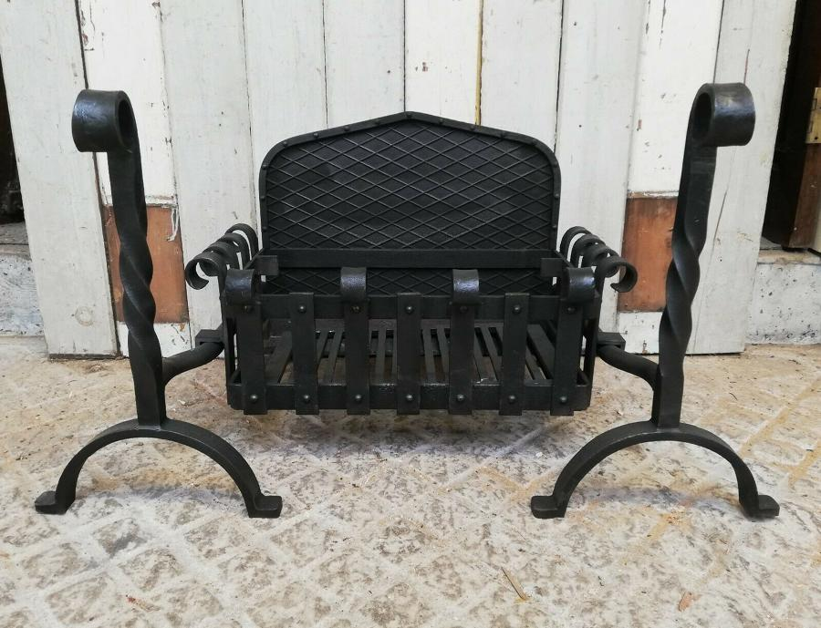 FB0045 RECLAIMED CAST IRON FIRE BASKET, FIRE BACK AND FIRE DOGS
