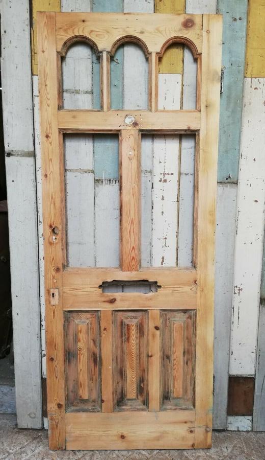 DE0816 BEAUTIFUL VICTORIAN PINE FRONT DOOR WITH PANELS FOR GLAZING