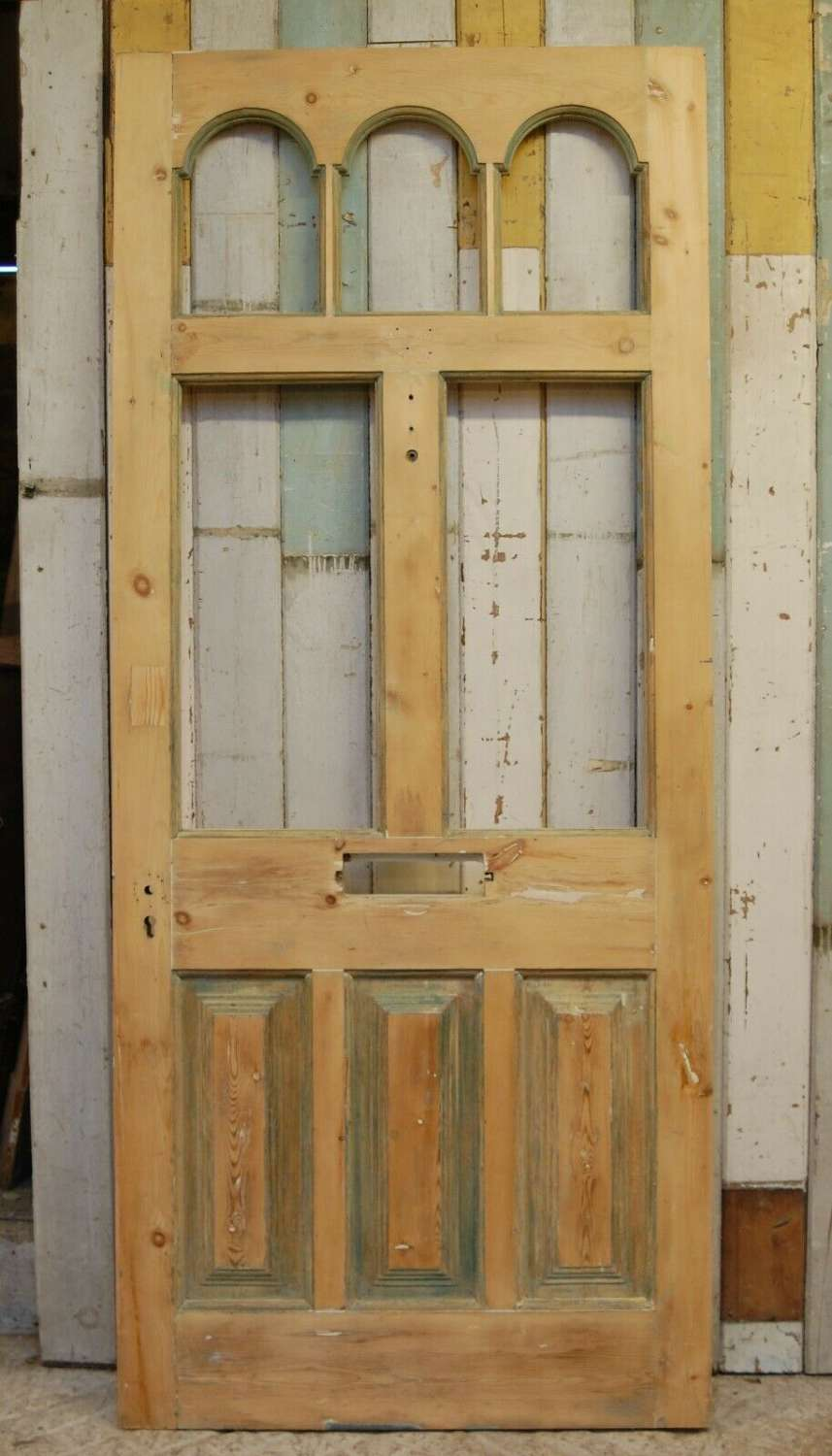 DE0819 BEAUTIFUL VICTORIAN PINE FRONT DOOR WITH PANELS FOR GLAZING