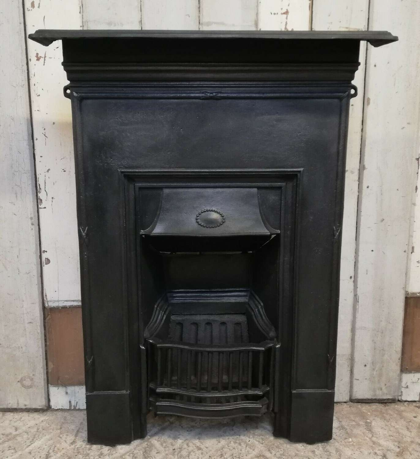 FC0064 AN ATTRACTIVE EDWARDIAN CAST IRON COMBINATION BEDROOM FIRE
