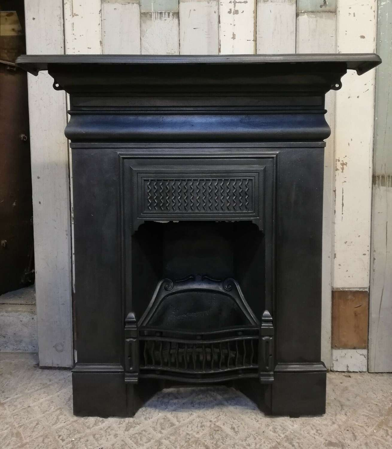 FC0066 AN ATTRACTIVE VICTORIAN CAST IRON COMBINATION FIRE