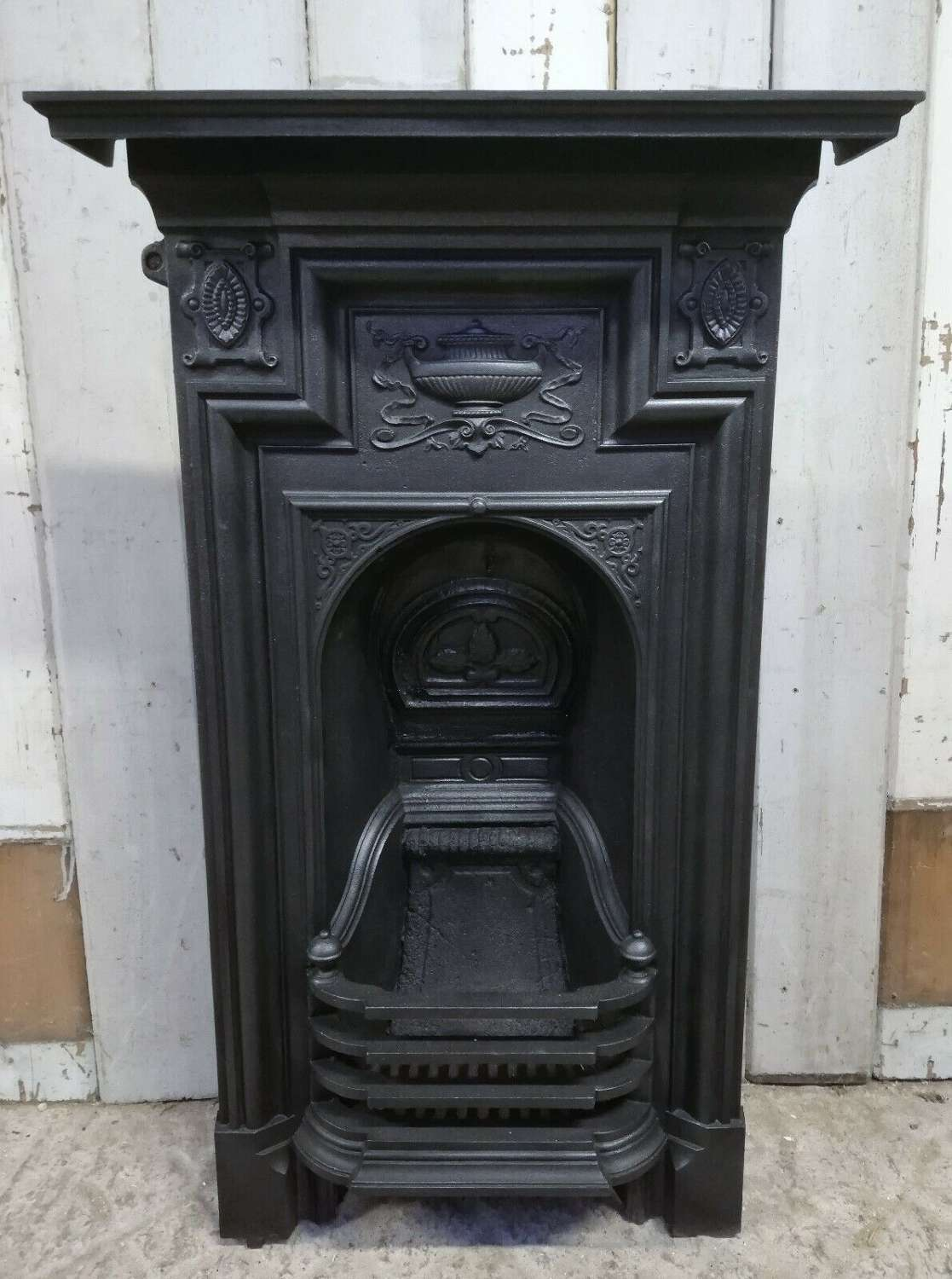 FC0067 AN ATTRACTIVE VICTORIAN CAST IRON COMBINATION BEDROOM FIRE