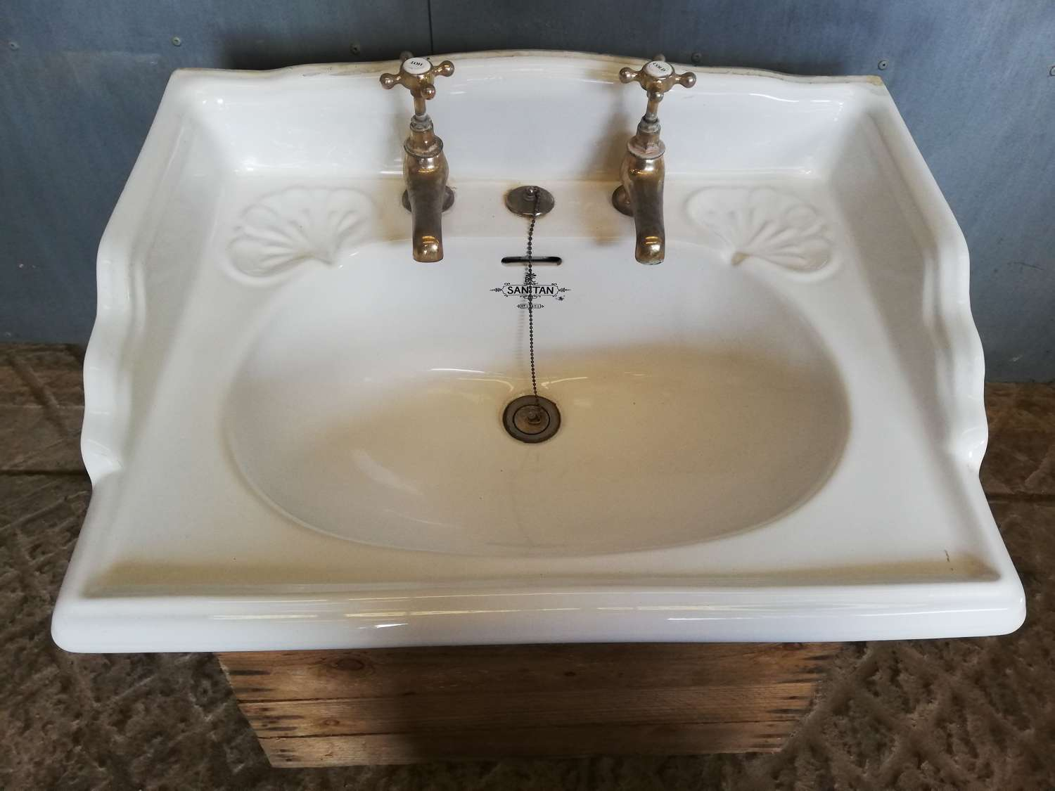 M1336 ATTRACTIVE RECLAIMED EDWARDIAN STYLE SANITAN SINK