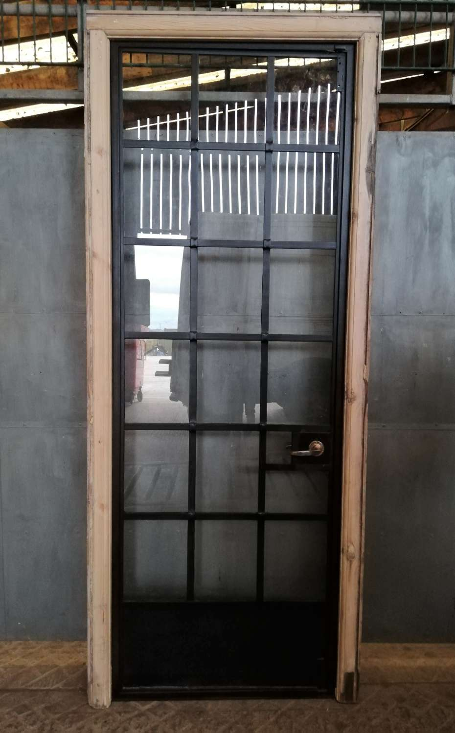 DI0698 RECLAIMED RESTORED INTERNAL CRITTALL DOOR WITH PINE FRAME