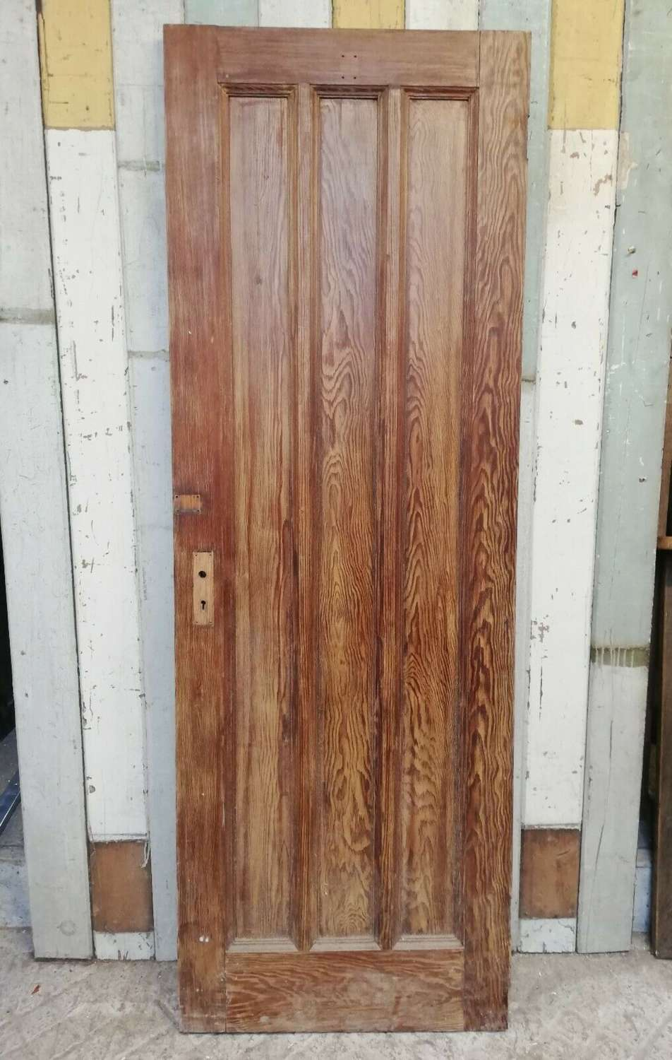 DI0699 A RECLAIMED PITCH PINE ARTS AND CRAFTS INTERNAL DOOR