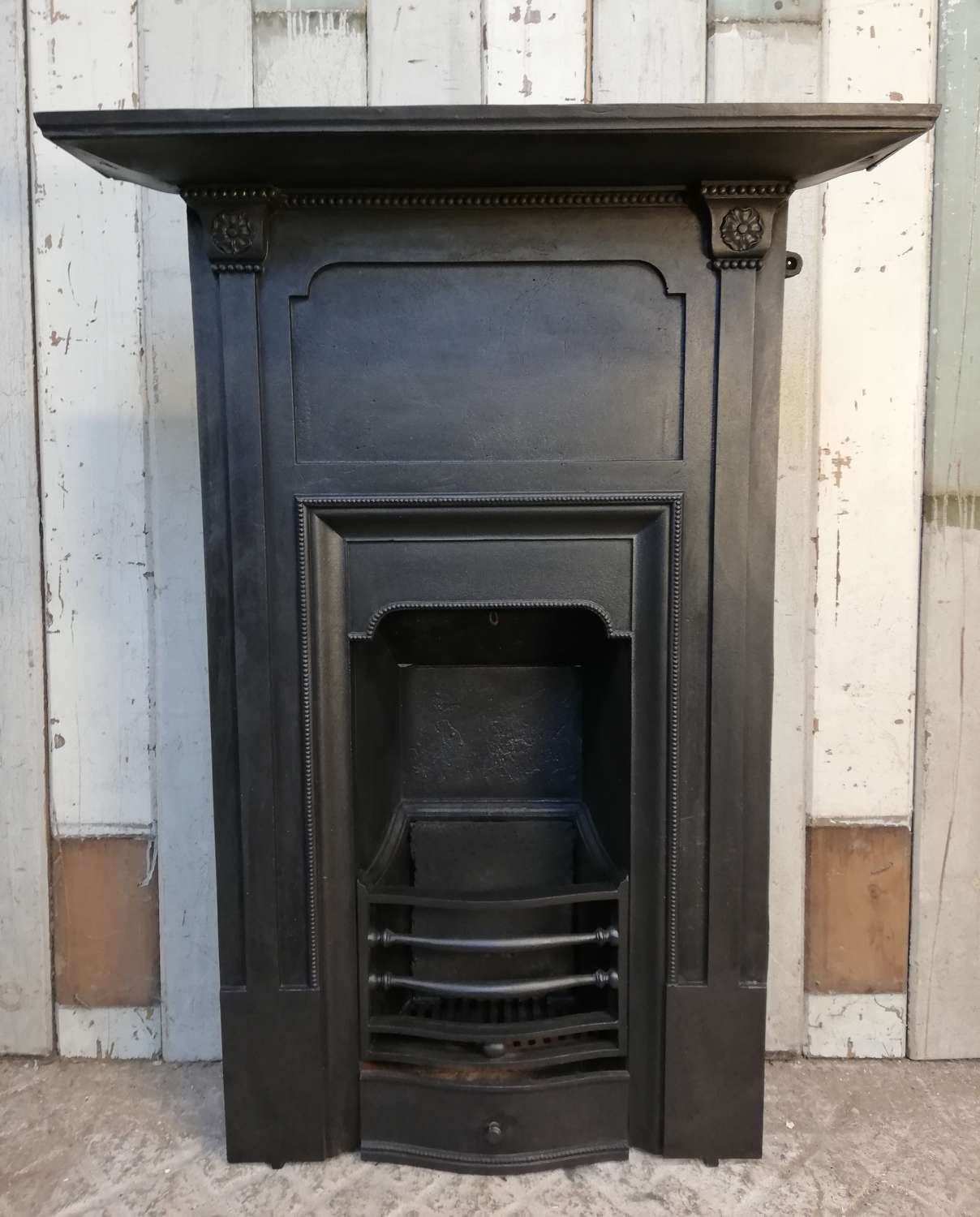 FC0072 AN EARLY VICTORIAN CAST IRON COMBINATION BEDROOM FIRE