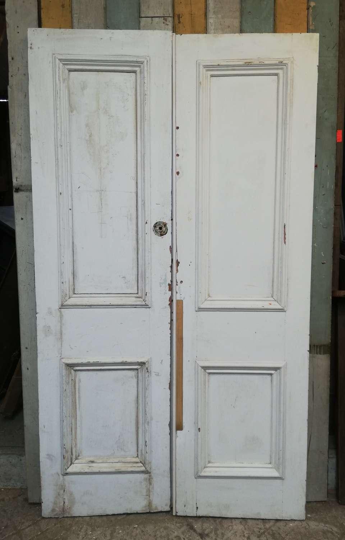 DP0280 A PAIR OF RECLAIMED PAINTED PINE INTERNAL DOORS