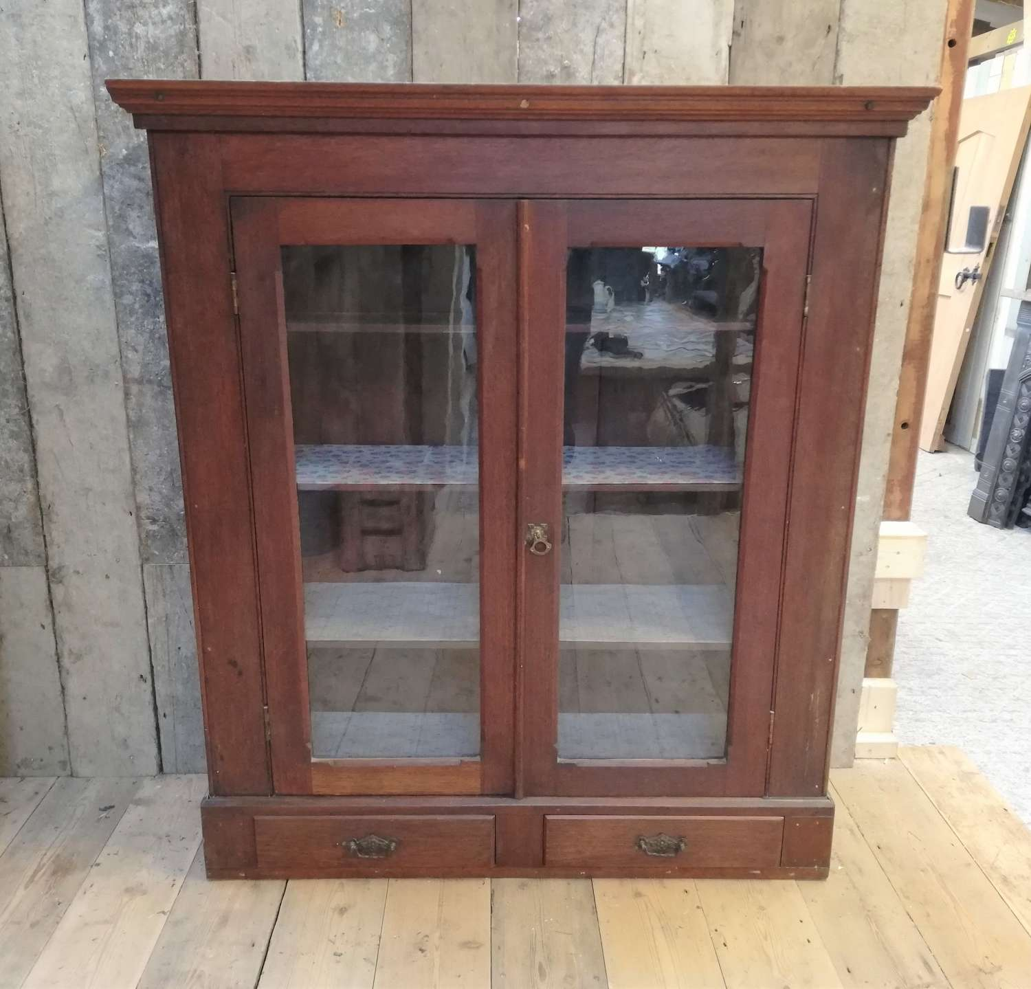 M1350 A RECLAIMED ANTIQUE VINTAGE MAHOGANY CUPBOARD / DISPLAY CABINET