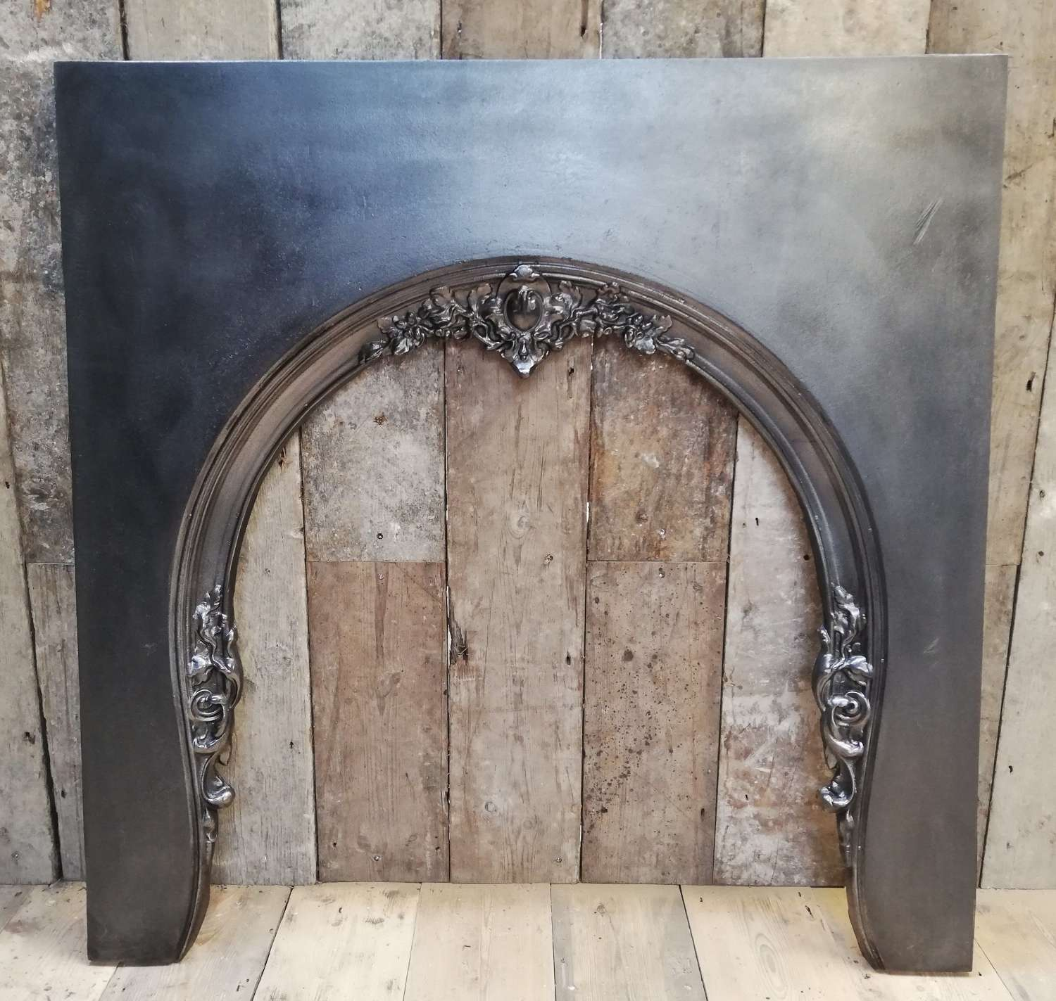 FT0017 A RECLAIMED REPRODUCTION GEORGIAN STYLE CAST IRON FIRE TRIM