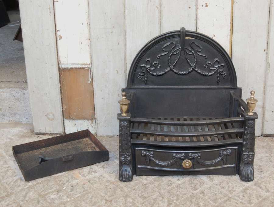 FB0047 PRETTY AND PETITE RECLAIMED REPRODUCTION CAST IRON FIRE BASKET