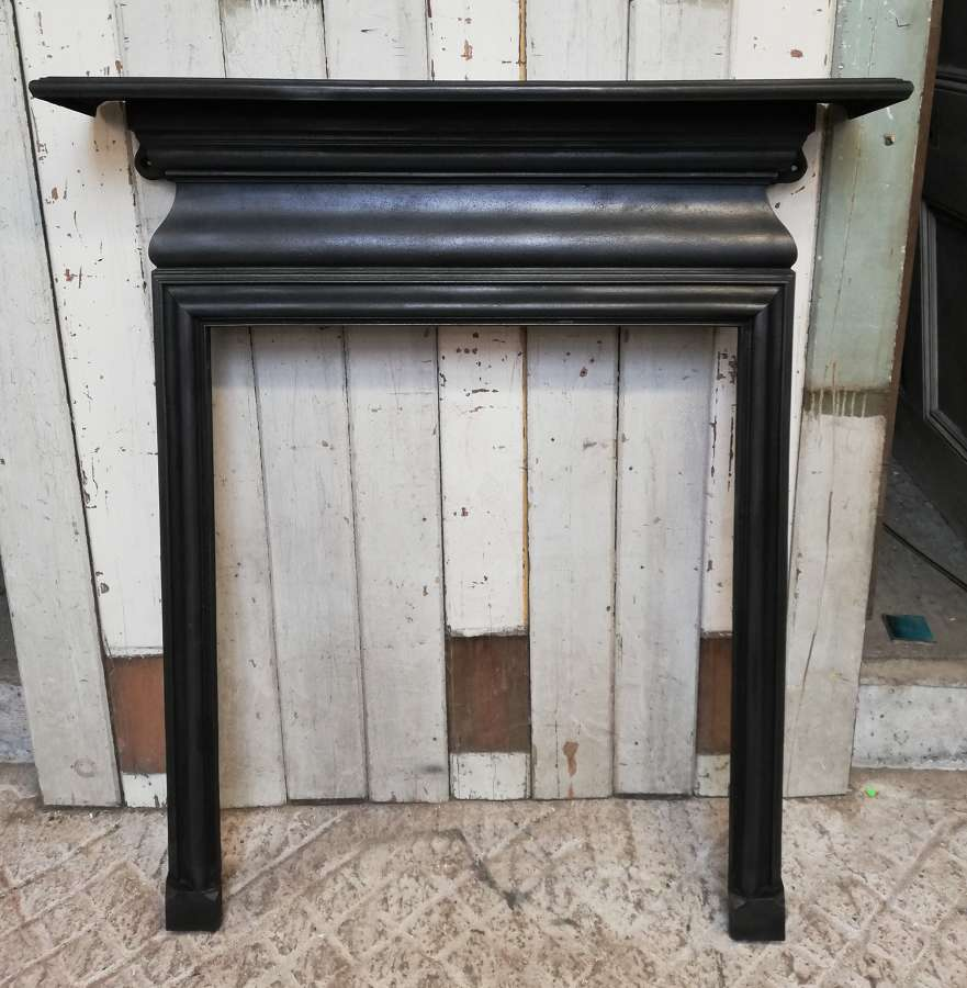FS0105 AN ELEGANT VICTORIAN CAST IRON FIRE SURROUND FOR WOODBURNER