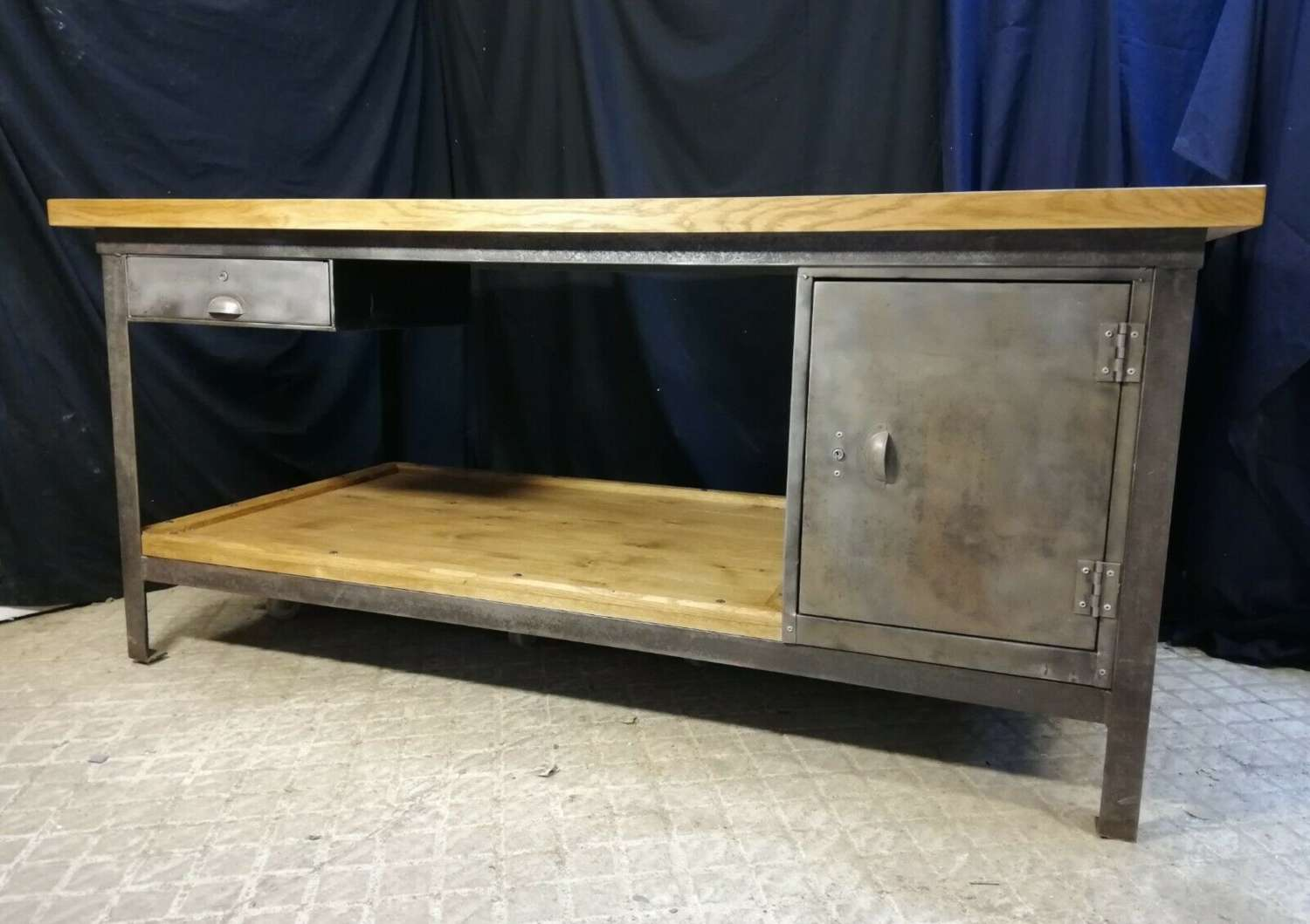 M1367 UNIQUE OAK TOPPED KITCHEN ISLAND WORK / CRAFT TABLE