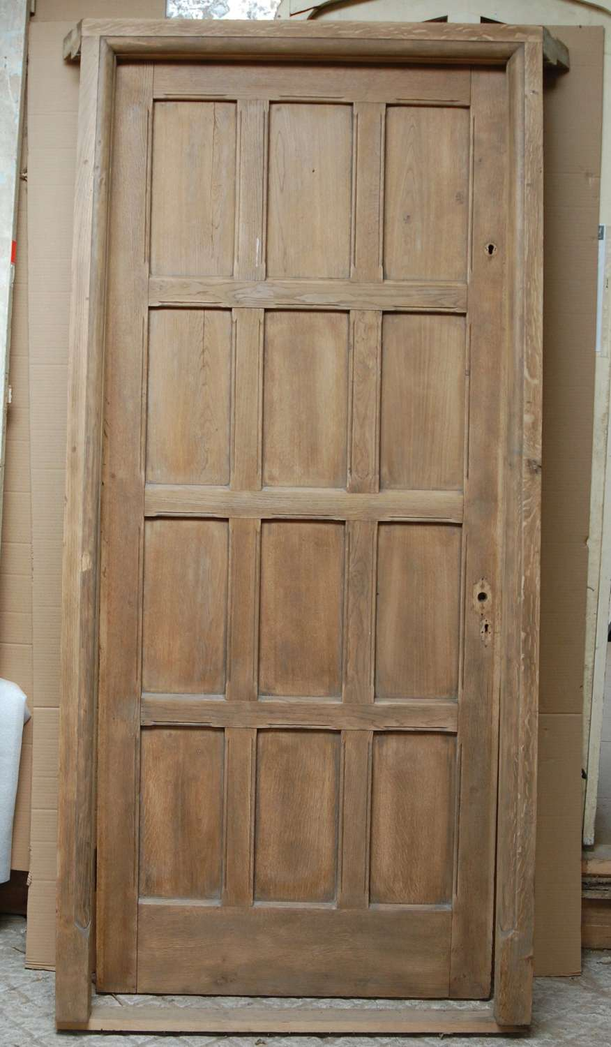 DE0853 LARGE RECLAIMED ARTS AND CRAFTS OAK FRONT DOOR AND FRAME