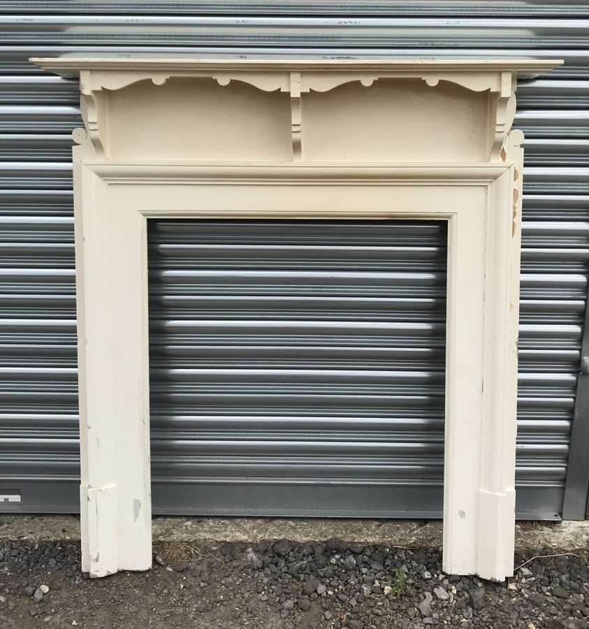 FS0109 A PRETTY PAINTED ANTIQUE RECLAIMED EDWARDIAN FIRE SURROUND