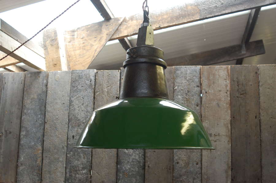 M1384 GREEN PAINTED INDUSTRIAL PENDANT LIGHT