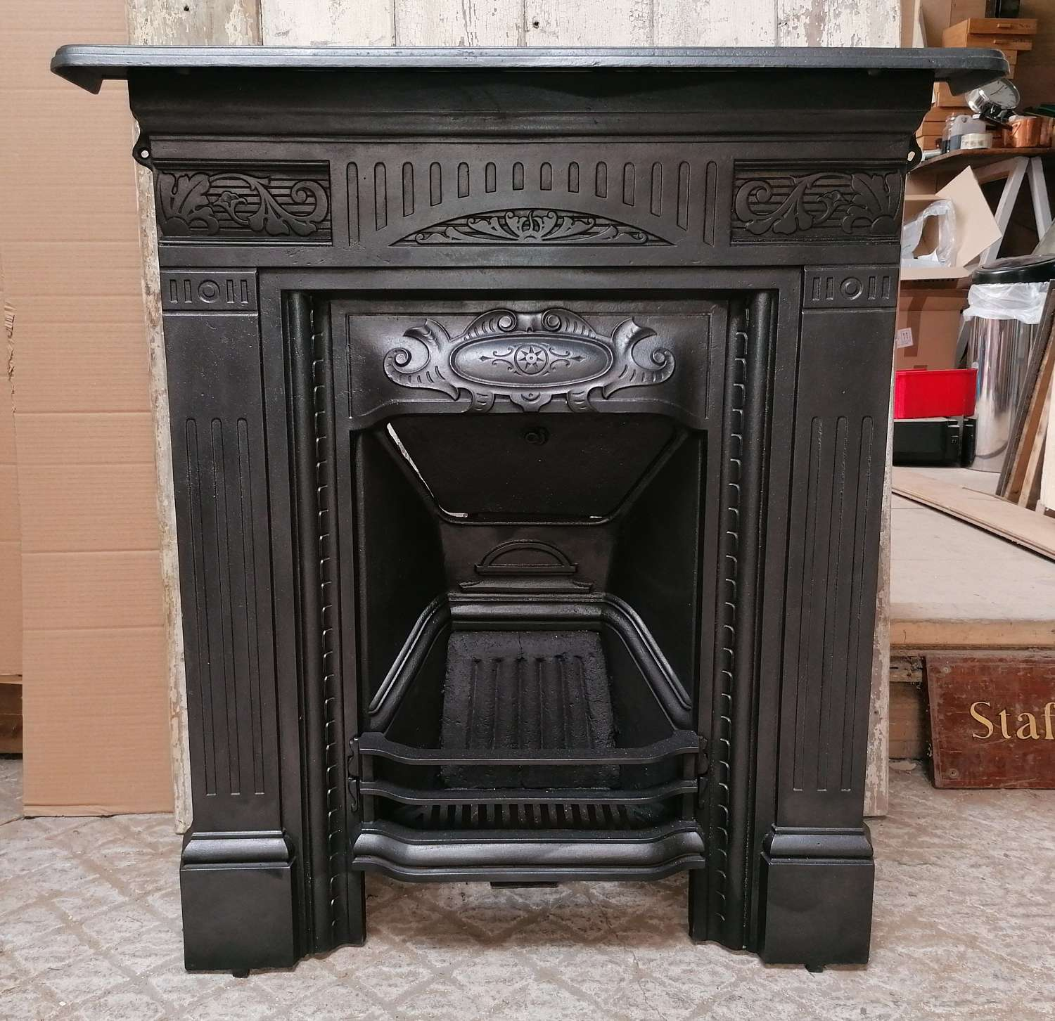 FC0091 AN ORNATE RECLAIMED LATE VICTORIAN CAST IRON COMBINATION FIRE