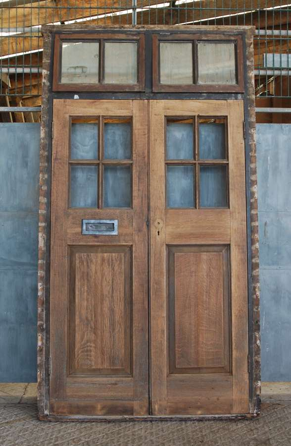 DP0290 A PAIR OF RECLAIMED EXTERNAL OAK DOORS AND FRAME C.1910